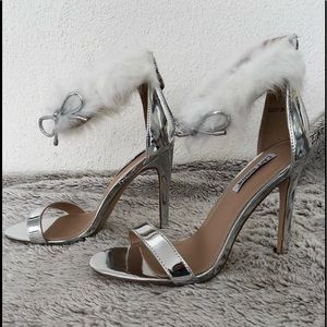 Shoes - Silver open toe furry ankle strap heels